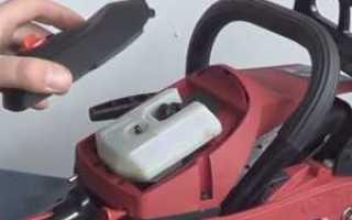 Бензопила глохнет при резком нажатии на газ